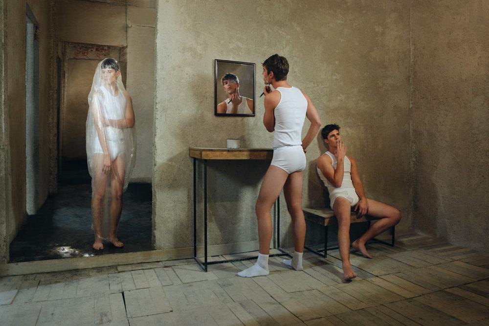 La-salle-de-bains-by-Izack-Morales.jpg
