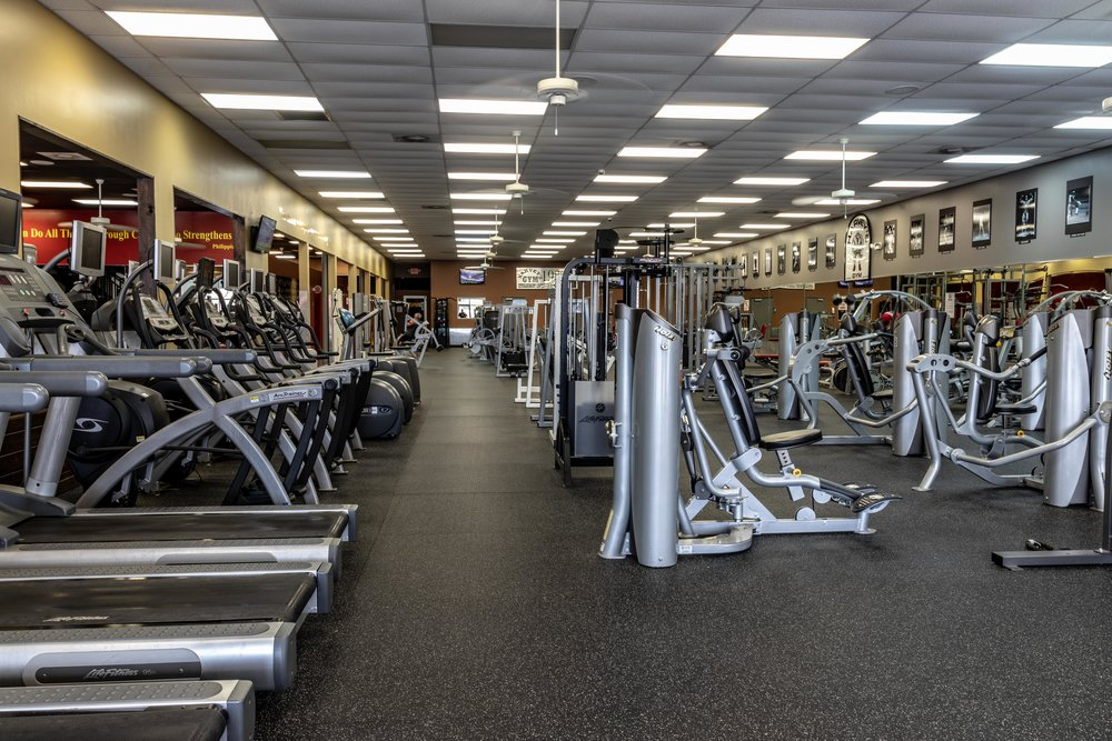 Harvey's Gym Columbia Tennessee kenneth purdom LORES (1 of 90).jpg