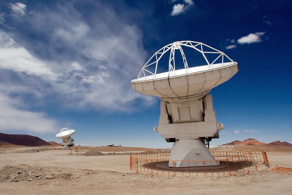 1200px-ALMA_Antennas_on_Chajnantor.jpg