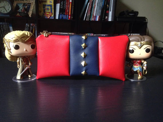 wonder-woman-clutch.jpg