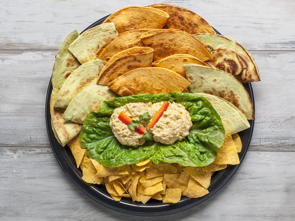 Quesadillabakki með hummus.jpg