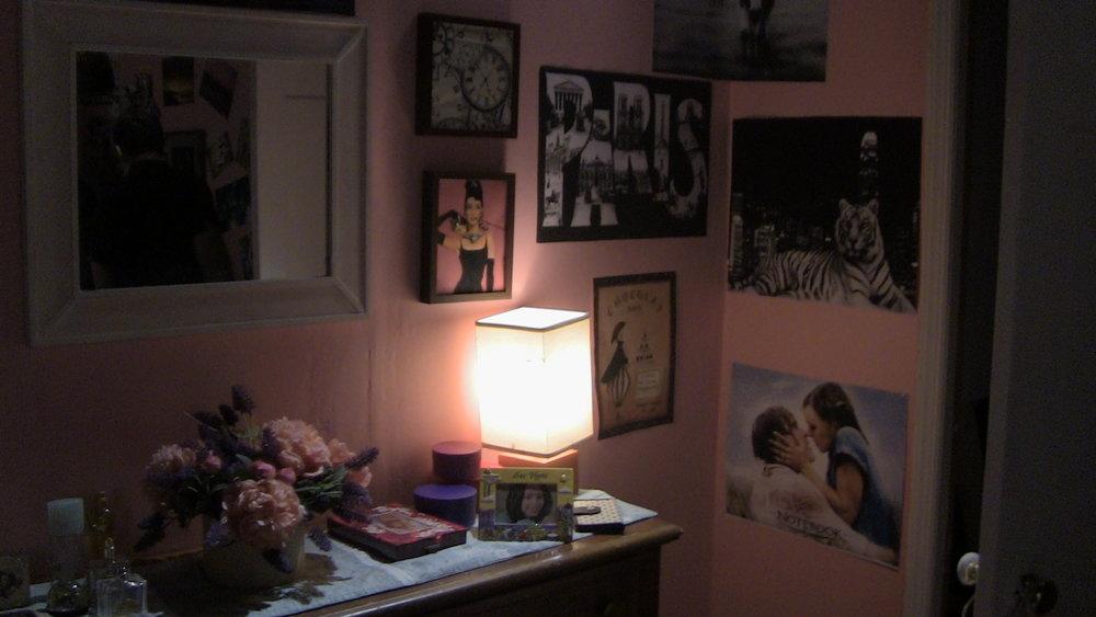 STACY'S BEDROOM