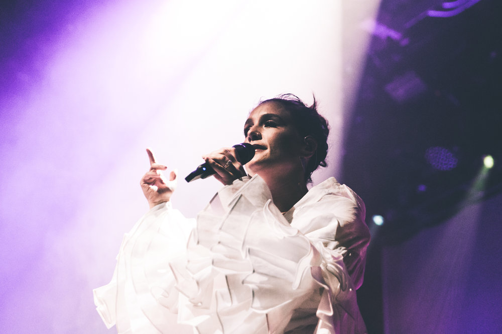 Jessie Ware (by Alex Lyon)