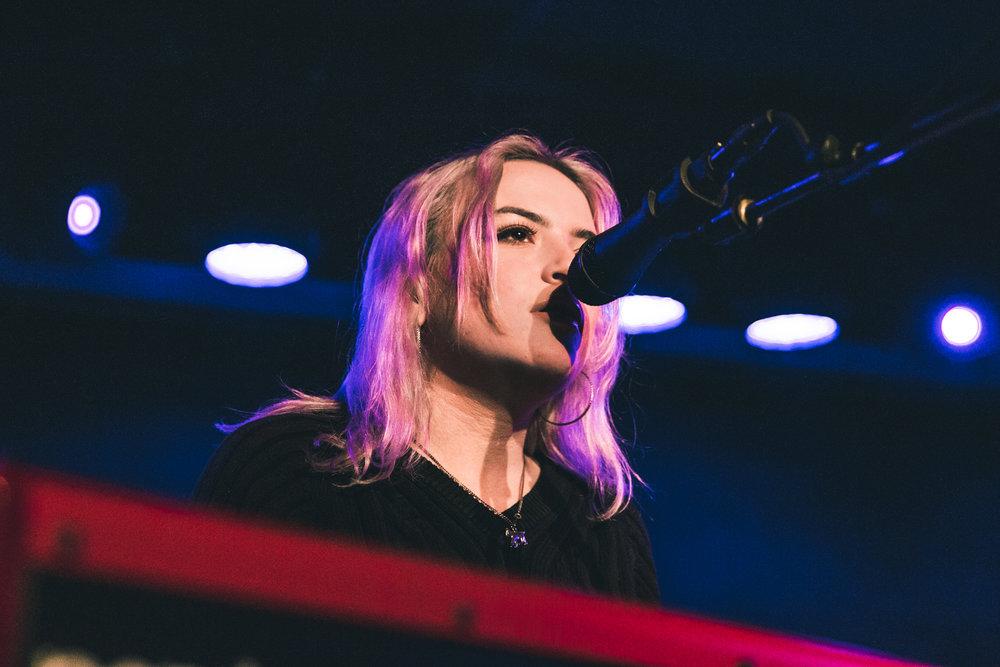 Chloe Lilac + Sasha Sloan (by Alex Lyon)