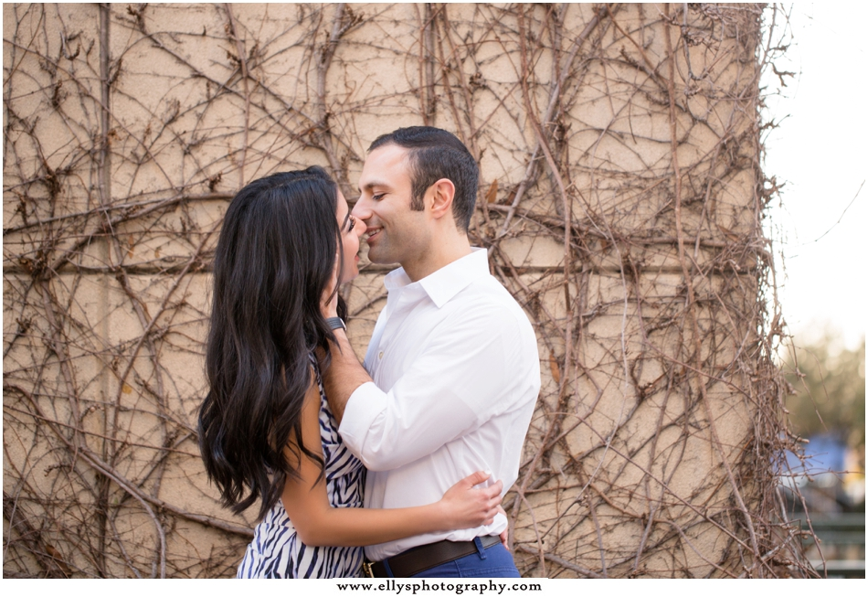 Gorgeous, vibrant and modern engagement session in Uptown Charlotte