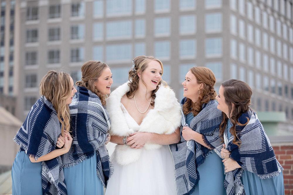 077City-bridesmaids-portraits.jpg