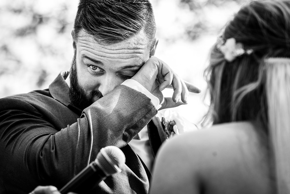087emotion-groom-ceremony.jpg