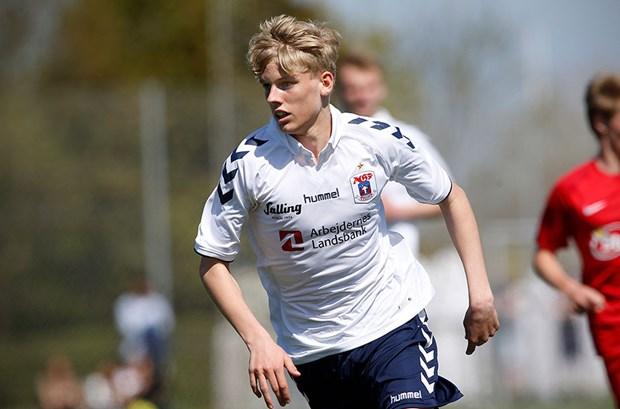 Albert Grønbæk Erlykke    Midtbane  Aarhus GF