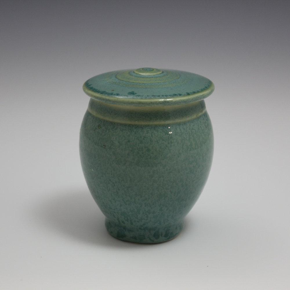 small-urn-3a.jpg