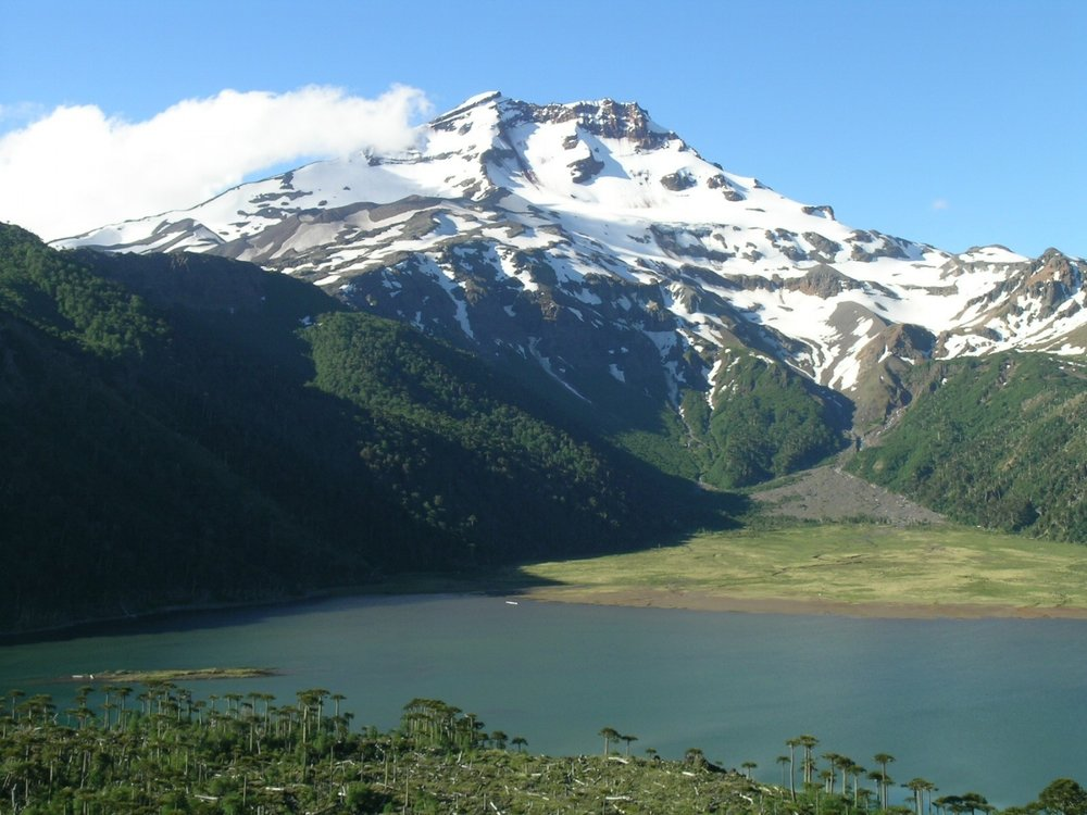 Volcan Melimoyu (cascada).jpg