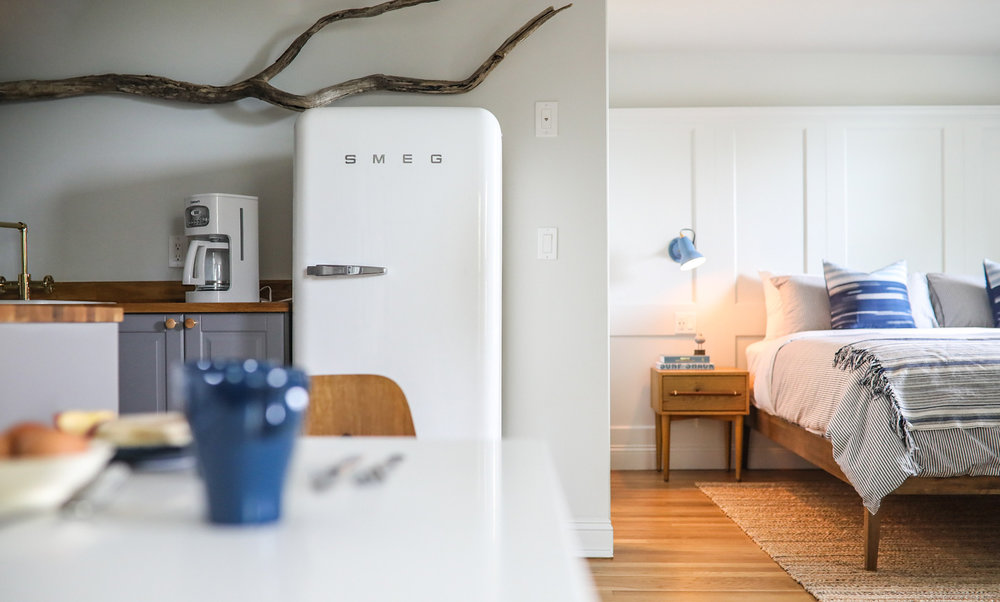 Long term stay, Corporate rental, Extended stay, Extended stay corporate housing, Hotel, Motel, Inn, Bed and Breakfast, Apart-Hotel, B&B, full kitchen, Smeg refrigerator, coffee, Portsmouth, NH, New Castle, NH, Rye, NH, Kittery, ME, Rye Beach, Beach, Ocean, New Hampshire Seacoast