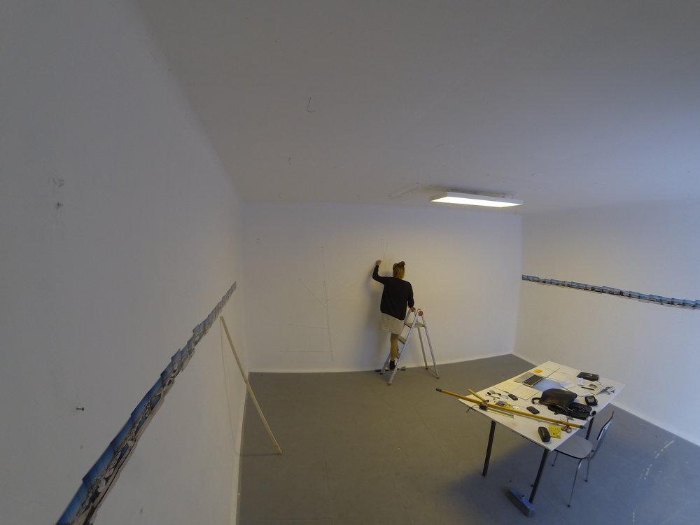 Edwina working at Dos Mares' studio, Marseille.
