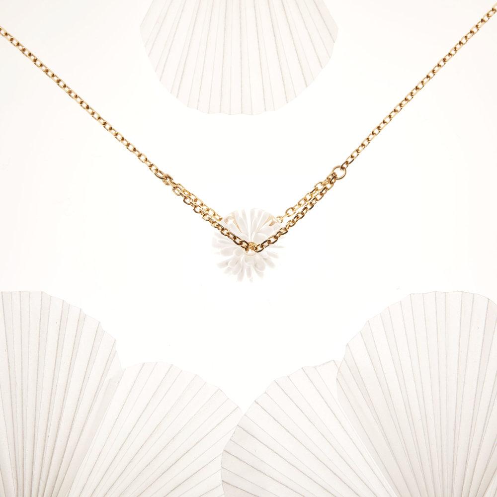 collier fait main - blanc - dentelle givree.jpg