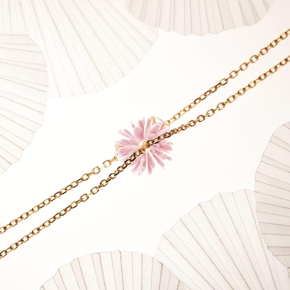 bracelet fait main fleur de verre - rose - dentelle givree .jpg