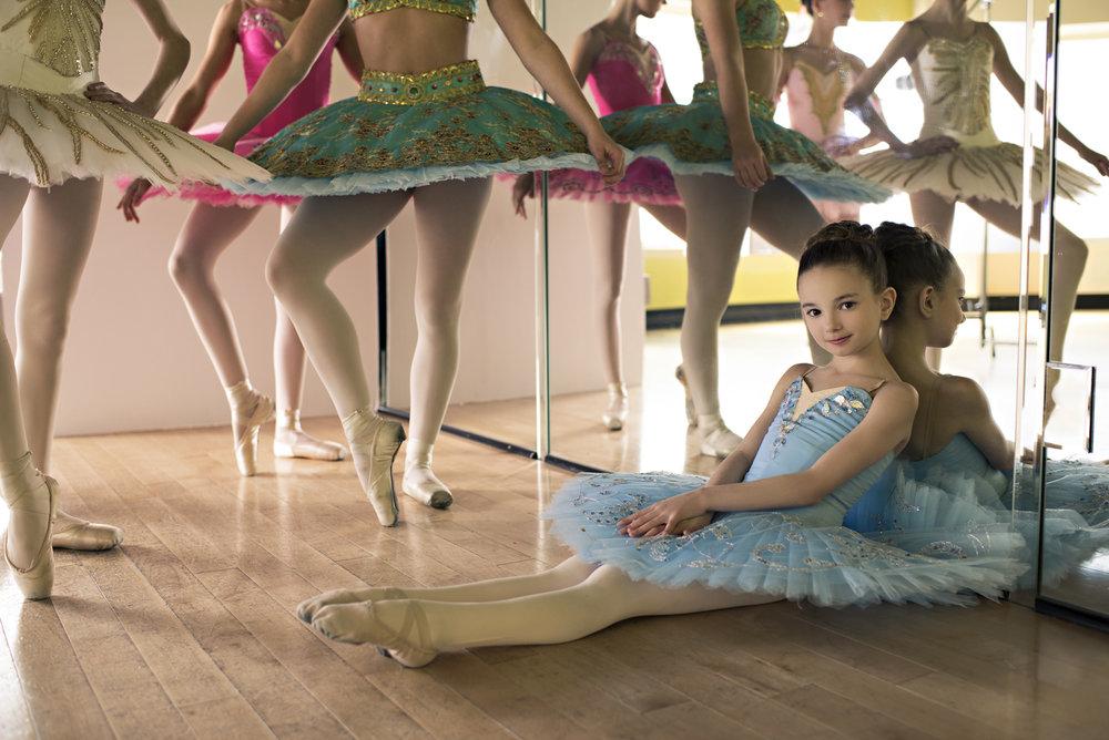 02_35mmlens_Ballerina3-237ml_1.jpg