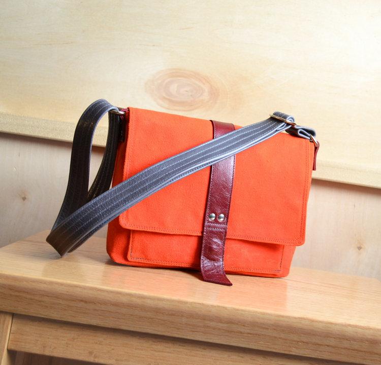 ee9138c401ea Lolafalk — The Davy Mini-Messenger in Safety Orange