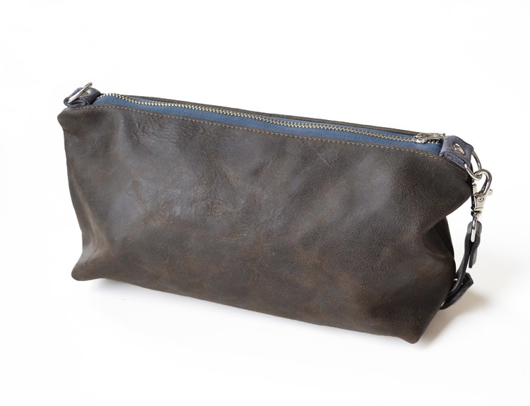 Lolafalk — The Otto Leather Toiletry Bag in Chocolate Brown 508fda67eb0d5