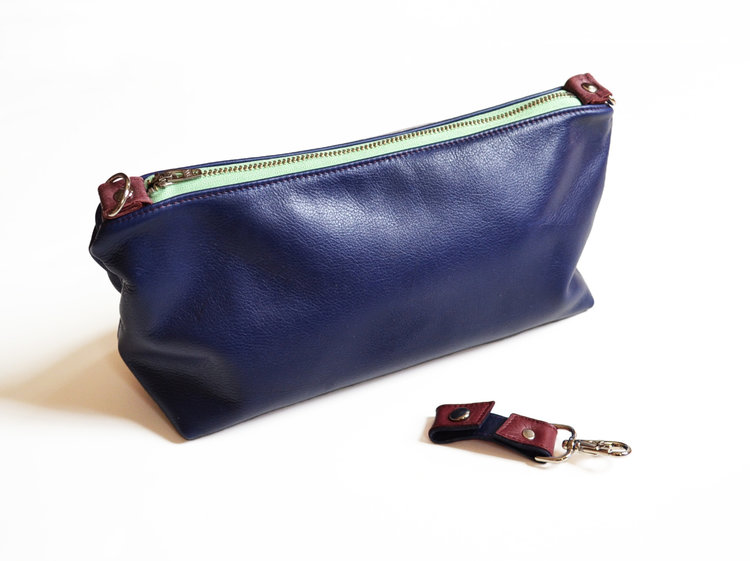 Lolafalk — The Otto Leather Toiletry Bag in Royal Blue cad3ee2c3686f
