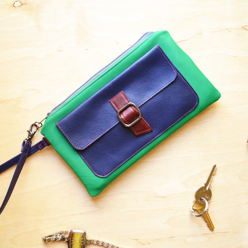 Lulu Wristlet Clutch in Emerald Green