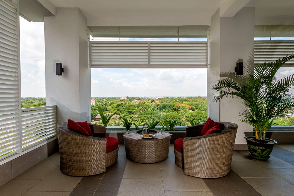 A paradise for those who like to entertain; our duplex penthouse features a spacious upper level with spectacular views and sunsets.