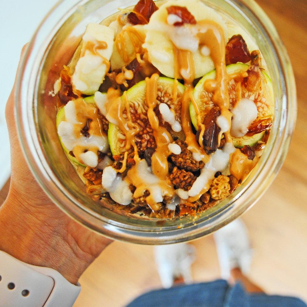 figgy peanut butter oatmeal insta 3_edited-1.jpg