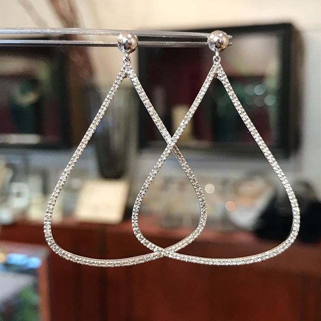 Next Up.... #14k #WhiteGold #diamond #earrings blowout sale! Regular price $1200 Below wholesale $630!!! Earrings are just short of 2 inches. 0.40 carat weight