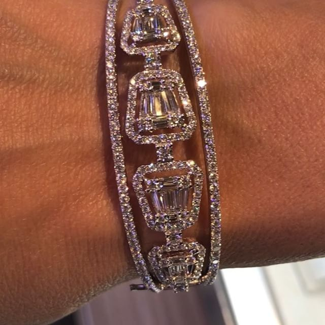 Gorg... #18K #whiteGold 4.28 #Carat #diamond MJ7ZZZXRT