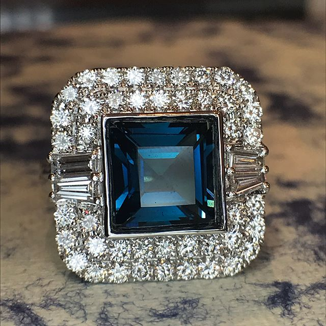 ❤️ Diamond Gemstone ring