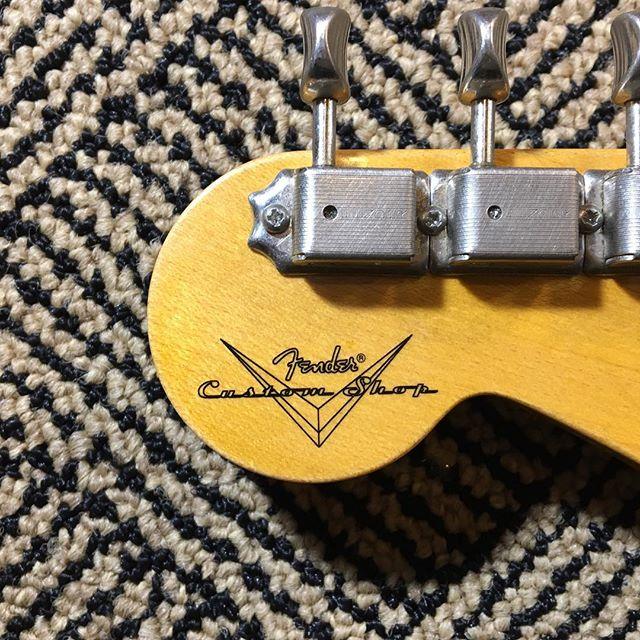 #fender #fendercustomshop #fretdress #luthier