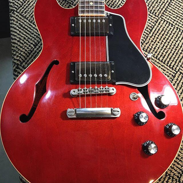ES-339 #gibson #luthier #vermont #guitarrepair