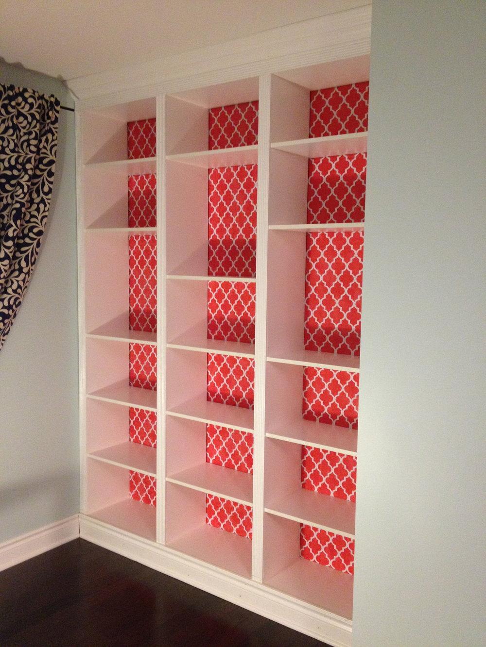 DIY built-in shelving, DIY built-ins, DIY shelves, DIY MDF shelving, DIY MDF, MDF built-in shelving, MDF built-in shelves, DIY bedroom reno, girl's bedroom decorating ideas, girls' bedroom decorating ideas, modern built in shelving, DIY modern shelves, modern home decor, DIY home renovating projects, DIY projects, DIY home reno, custom built-ins, DIY custom built-in shelving, painted MDF shelves, DIY bedroom decor, coral bedroom, light blue bedroom, light blue and coral bedroom, coral quatrefoil, coral quatrefoil decor, DIY storage ideas, modern storage ideas, bedroom storage ideas, bidziu handmade, bidziu handmade