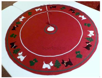 Source:http://www.sewamazin.com/2013/05/westie-scottie-christmas-tree-skirt.html