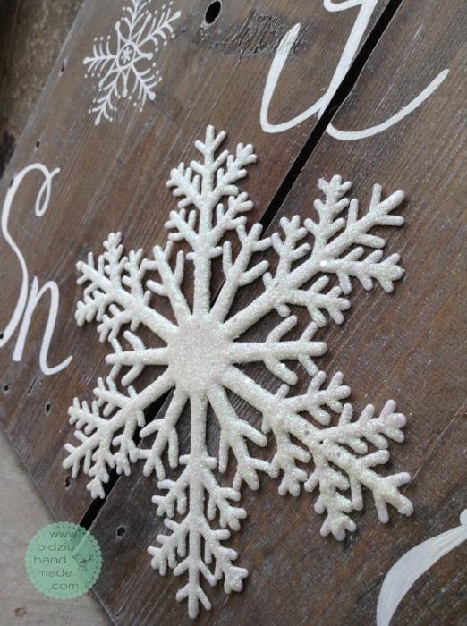 Rustic Christmas decor, DIY Christmas decoration, DIY painted wood sign, DIY rustic Christmas decoration, Let it snow decoration, hand painted wood sign, hand made Christmas decoration, rustic Christmas decor, custom made Christmas decor, bi
