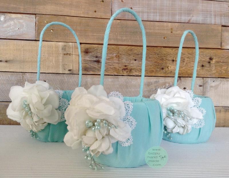 tiffany blue wedding, flower girl baskets, custom made flower girl baskets, modern wedding accessories, vintage wedding accessories, turquoise wedding accessories,