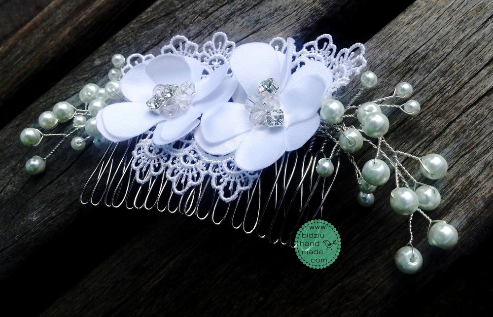 Bridal hair comb, handmade white silk flowers, Swarovski crystals, rhinestones, pearl twigs, embroidered lace, handmade bridal comb, custom made bridal comb, handmade bridal accessories, handmade wedding accessories, custom made bridal hair accessories, romantic bridal hair accessories, handmade wedding, DIY wedding, custom made wedding, romantic wedding, bridal hair comb idea, bidziu handmade, bidziu hand made