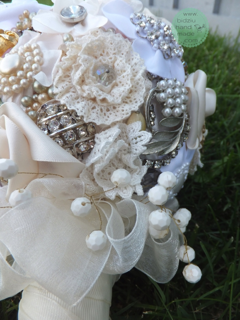 Vintage jewelry brooch bouquet. — Bidziu | Handmade