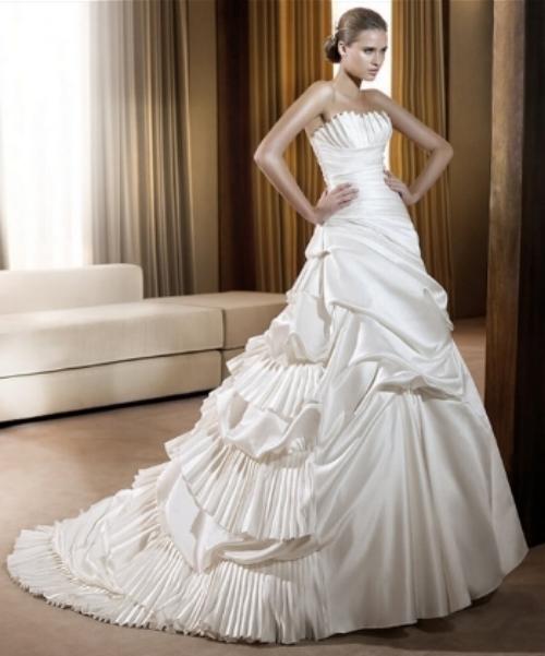 Pronovias, 2011 Bridal Gown Collection