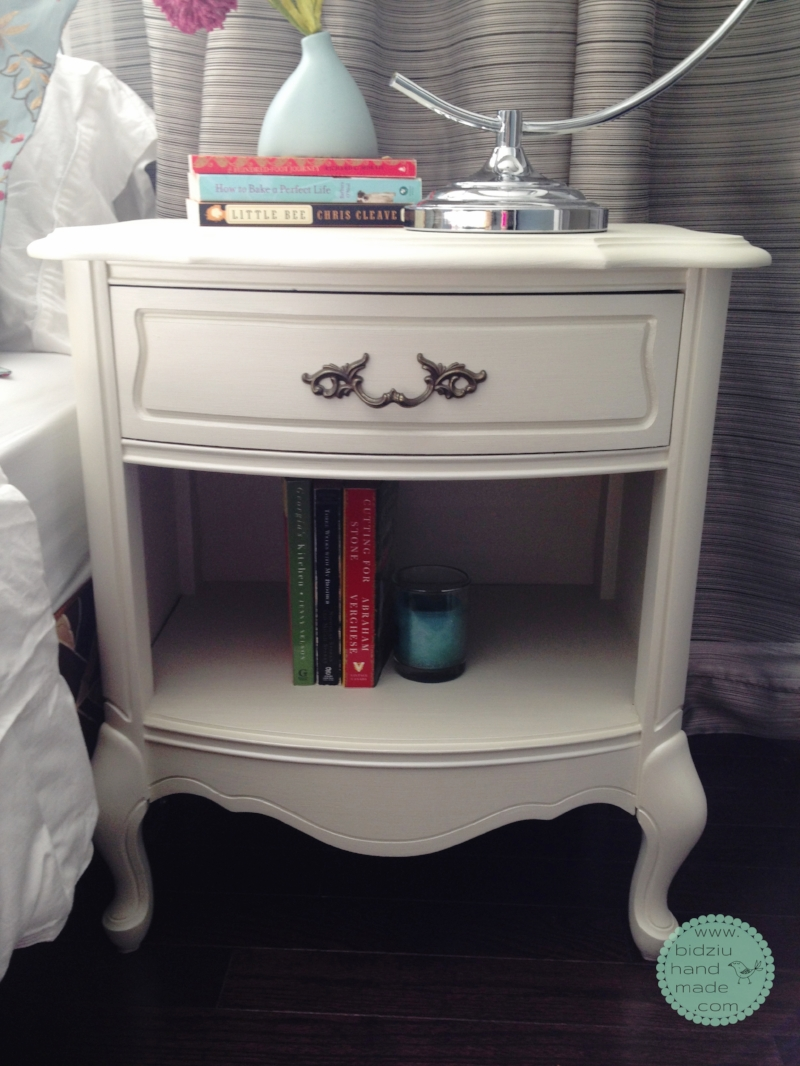 DIY repainting furniture, refinishing furniture, DIY painted furniture, DIY painted night stand, shabby chic furniture, girl's room furniture, pretty refinished furniture, DIY furniture, rustic home decor, shabby chic home decor, country home decor, modern country home decor, bidziu handmade, bidziu hand made