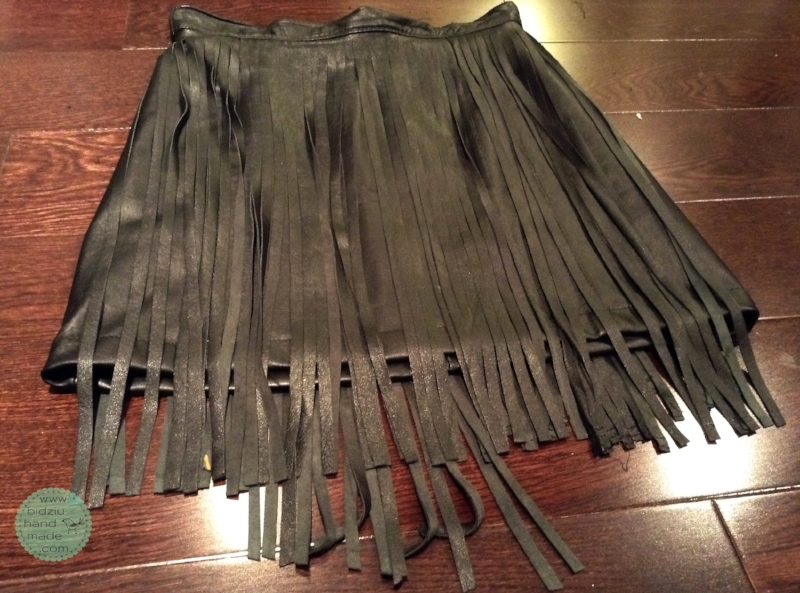 DIY leather skirt, DIY leather fringe skirt, DIY skirt, leather skirt, leather fringe skirt, trendy skirt, repurposed leather projects, upcycled leather, how to make a fringe skirt, how to sew a fringe skirt, DIY trendy skirt, DIY trendy clothing, trendy clothing, trendy outfits, fringe trends, fringe, leather, black mini skirt, trendy black skirt, handmade skirt, handmade clothing, handmade, sewing, bidziuhandmade, bidziu handmade