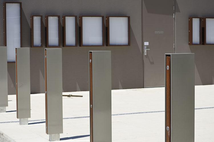 Manning-communicty-centre-timber-aluminium-custom-barriers.jpg