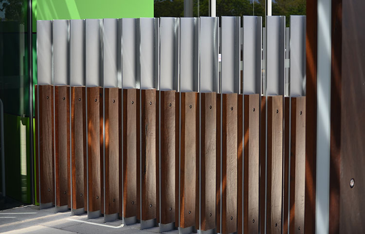 Manning-communicty-centre-timber-aluminium-custom-fence4.jpg
