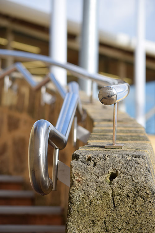 curved-stainless-steel-handrail-end.jpg