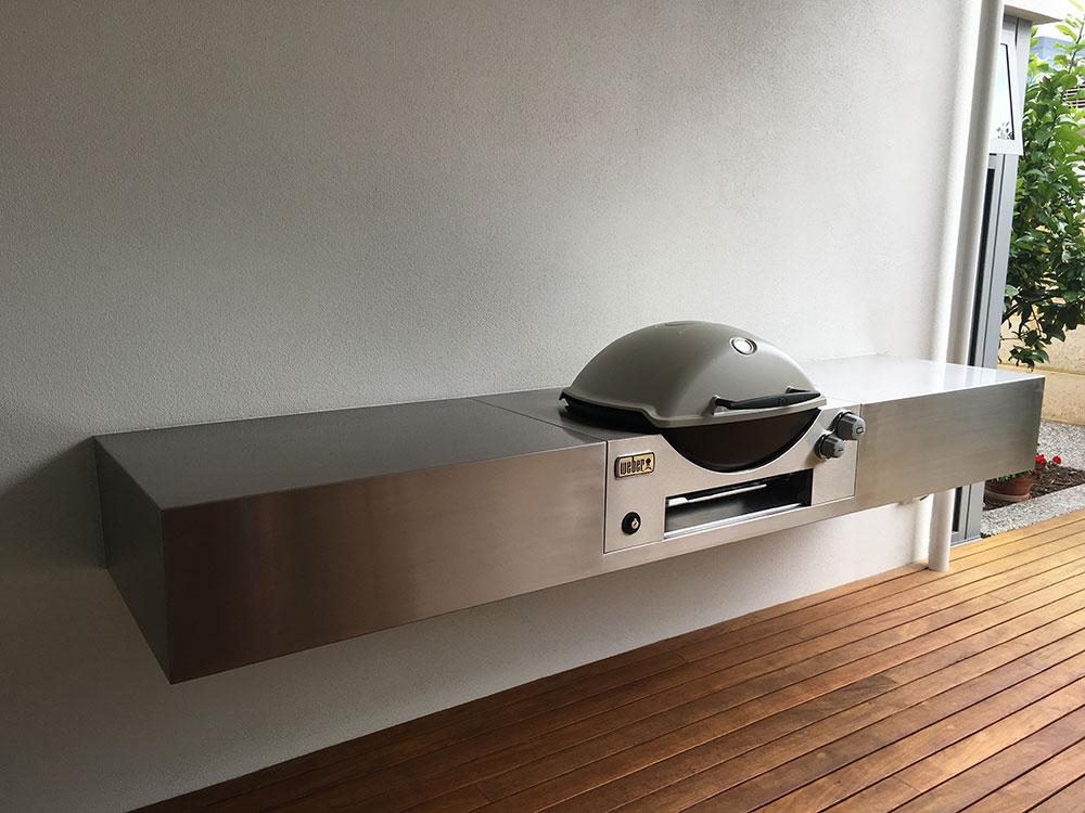 stainless-steel-polished-inbuilt-BBQ-benchtop2.jpg