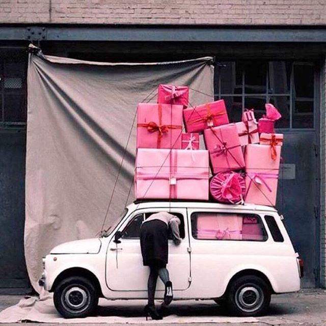 Manday mood.  Laddad med glädje!  #hållbardesign #svenskdesign #hållbartmode #hållbarlivsstil #fashion #conciousliving #nordiskdesign #nordiskstil #sustainableliving #sustainabledesign #svenskform #interior #inredning #design #givingbackfeelsgood #boxofhope #lovefromsweden #trä #presentbox