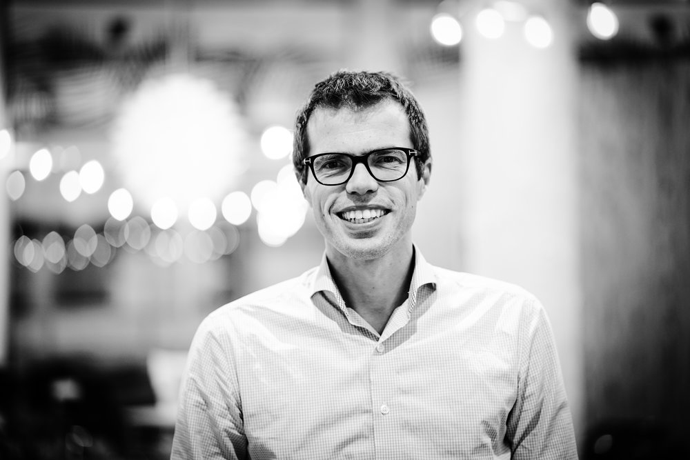 Koen, trainer - Your host this day is Koen Veltman, a highly skilled change consultant in self-management, an inspiring and enthusiastic trainer which makes him the right man for the job. Read his story here.