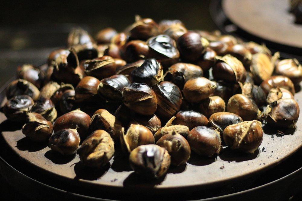 chestnuts-3776394_1920.jpg