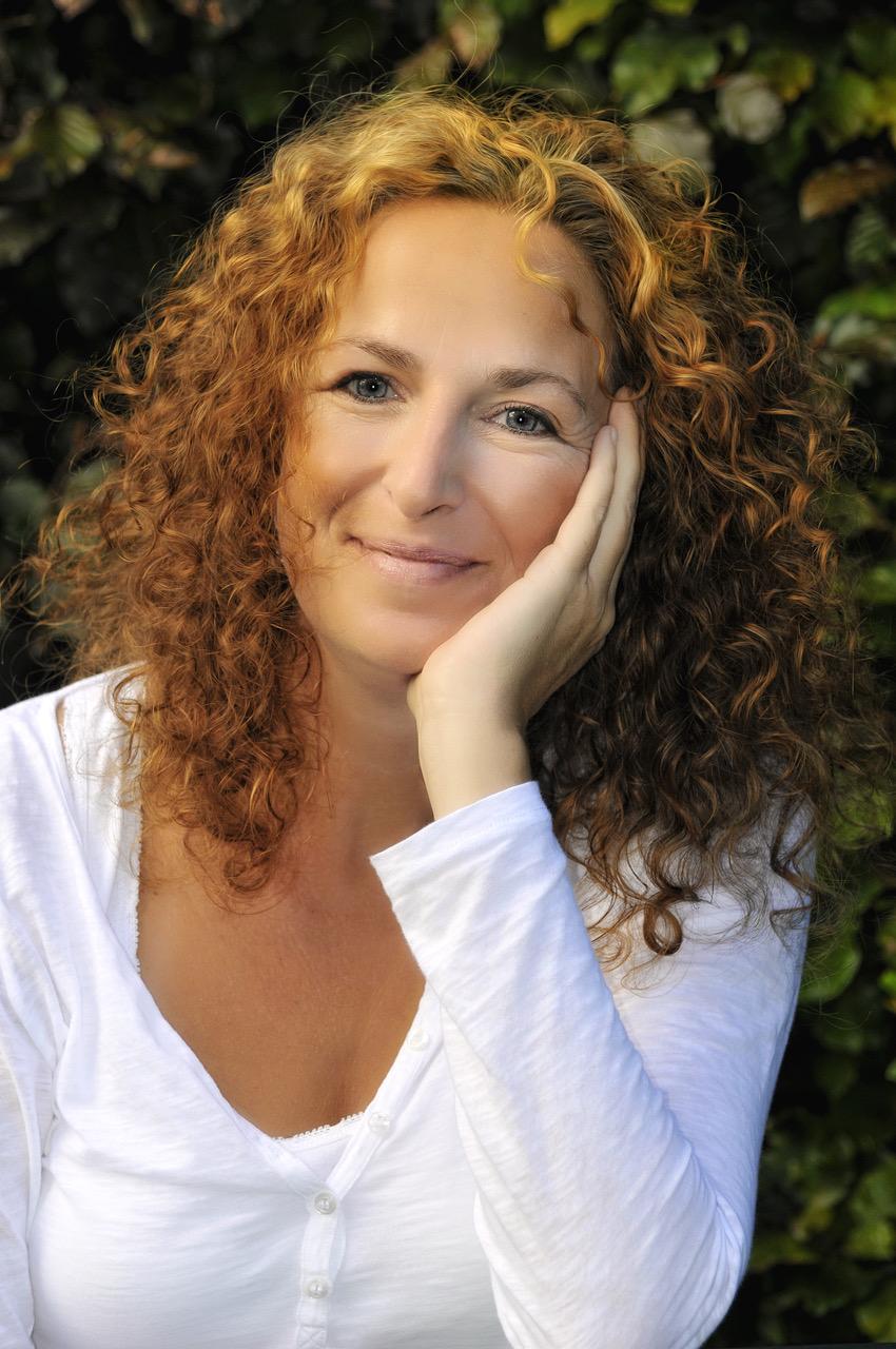 Anna Cavelius