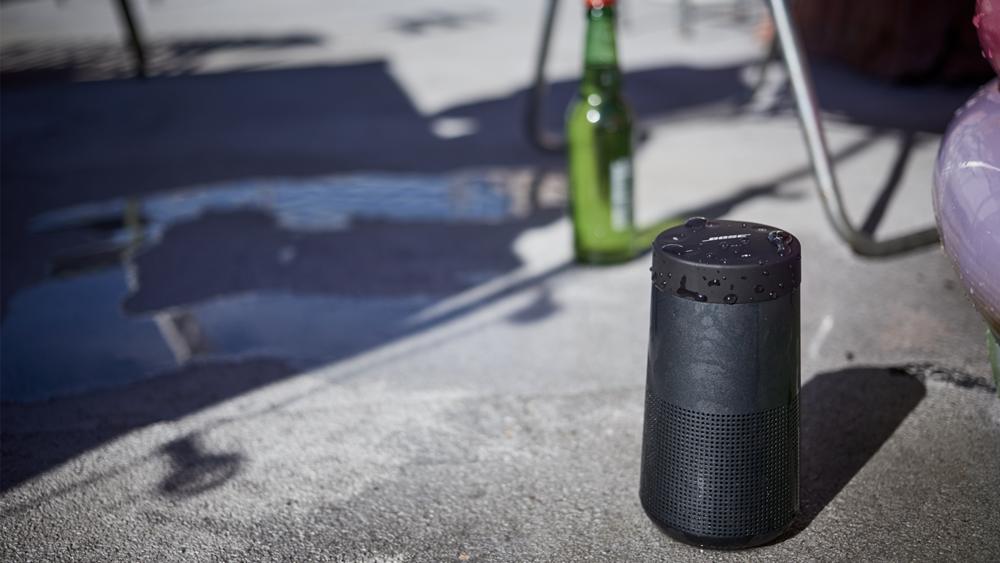 SoundLink-Revolve-Bluetooth-speake-bose-imagine-a-lady-tech-home-4