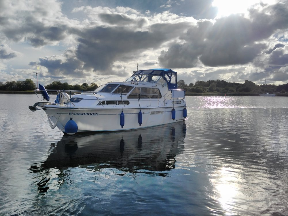 Hire Boat along the River Shannon.