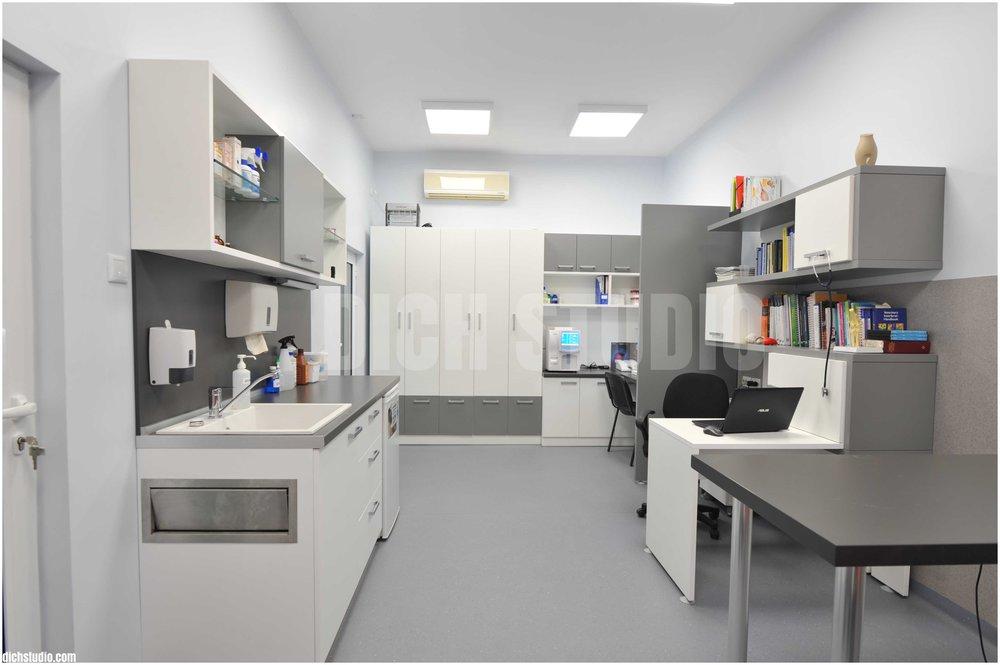 Cabinet vet clinic